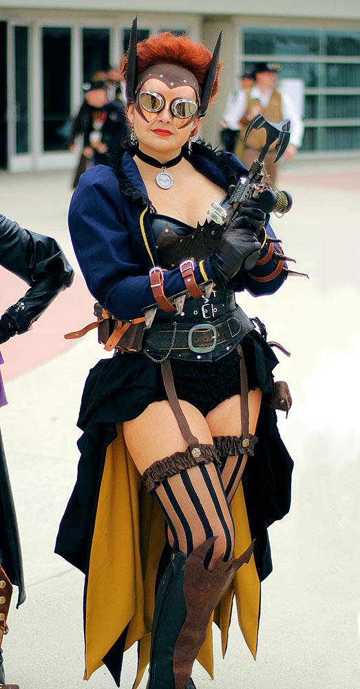 Steampunk Batgirl Goldenlasso.net