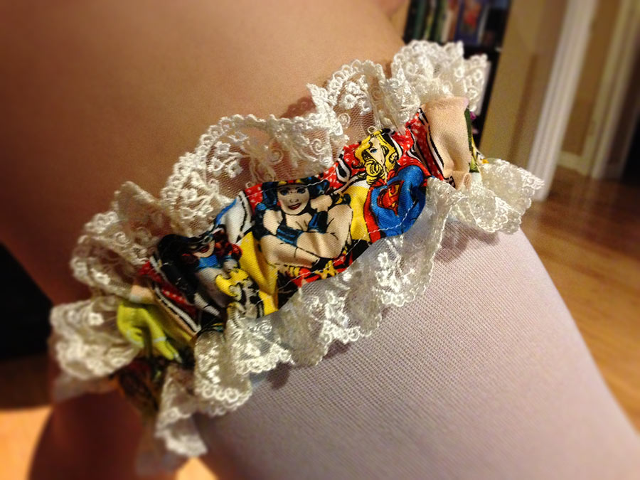 Do it yourself geeky wedding garter the golden lasso making your own custom garter is a very easy sewing project it adds a delightful surprise for your wedding costume or lingerie its great for the crafty solutioingenieria Images