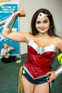Golden Lasso Cosplay Wonder Woman New 52 2